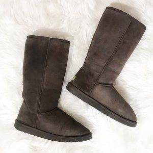 Classic Tall Brown Uggs Size 8